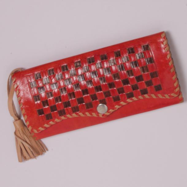 Stor pung i læder (Kun i rød)